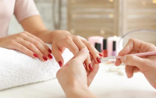 Manucure, soins des pieds